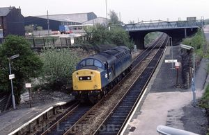 40155_passing_through_the_station_light_engine_on_19th_May_1983.jpg