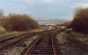 717-13_Horwich_Branch_-_where_works_and_station_lines_diverged_13-3-1991.jpg