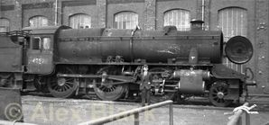 LMS_Stanier_5MT_2-6-0_No_42977_waiting_for_repair_at_Horwich_in_June_1960.jpg